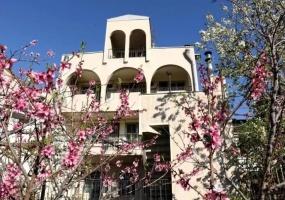 Yerevan, 7 Bedrooms Bedrooms, ,7 BathroomsBathrooms,Villa,For Rent,1063